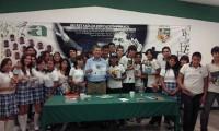 Visita Élmer Mendoza el CBTA 261 de Villa Juárez