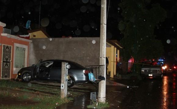 Ejecutan a una mujer al llegar a su casa en Villa Bonita