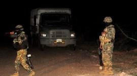 Mueren tres presuntos sicarios en balacera con Marinos