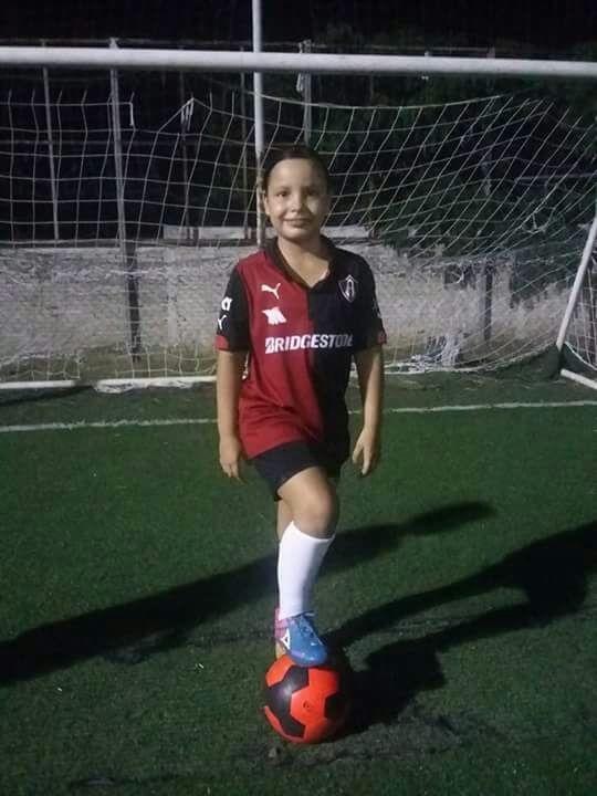 María del Carmen. Una guerrera en la vida y en el futbol.
