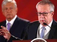 """Renuncia Carlos Urzúa """"por decisiones sin sustento e imposición de funcionarios"""""""