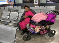 Hija roba y abandona a su madre enferma en central camionera de Sonora