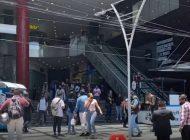 Nacional | En CDMX, policías desalojan 'call center' de Grupo Salinas