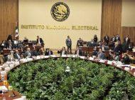 """Morena """"revive"""" a los muertos: 5 mil firmas para consulta, son de difuntos"""