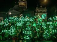 Senado de Argentina despenaliza el aborto